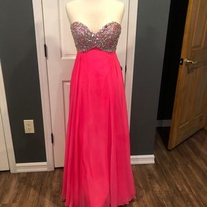 Formal gown /sweet sixteen/ prom